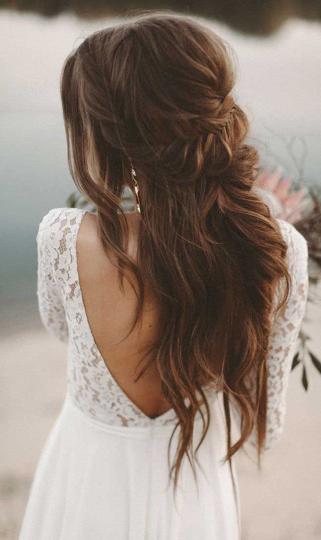 Having a rustic wedding theme? Anda bit confused on what hairstyle you should go…