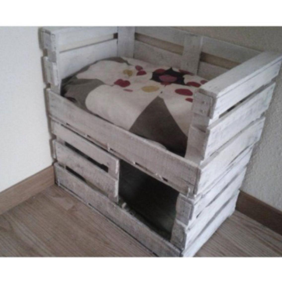 Cama para gatos muy facil de hacer con cajas de fruta - Camas para gatos ...