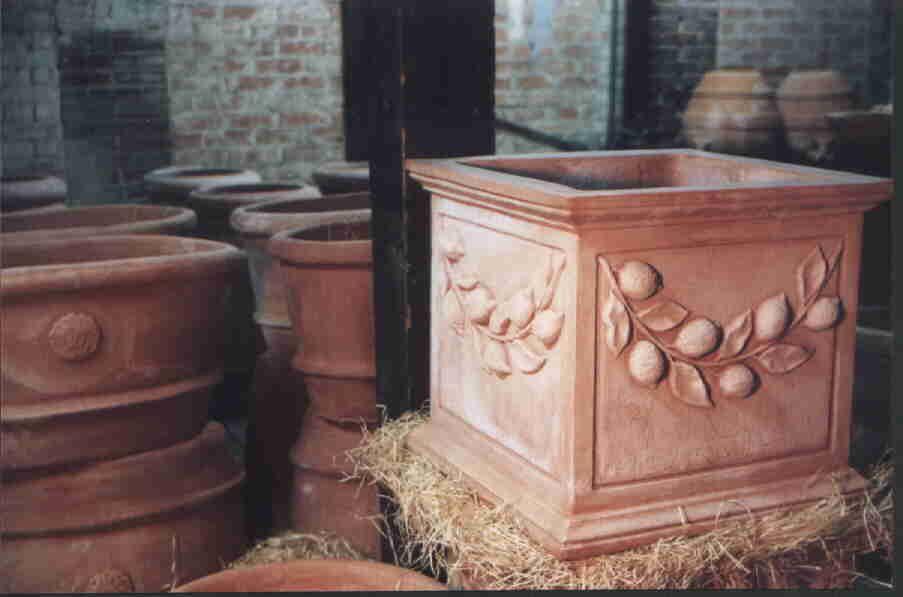 Beautiful terra cotta vases for Masini terrecotte impruneta