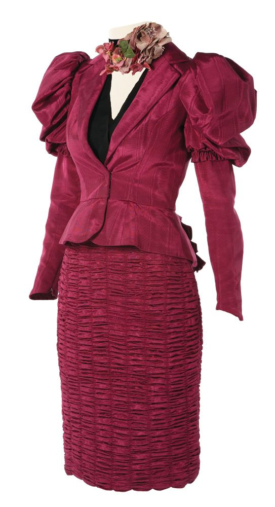 Effie Trinket costume worn by Elizabeth Banks in The Hunger Games ...