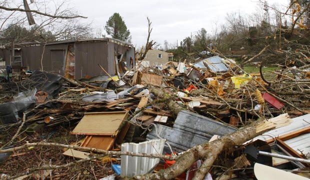 Storm rips through Coble, TN 1/30/13 - CBS News #poisonedweather