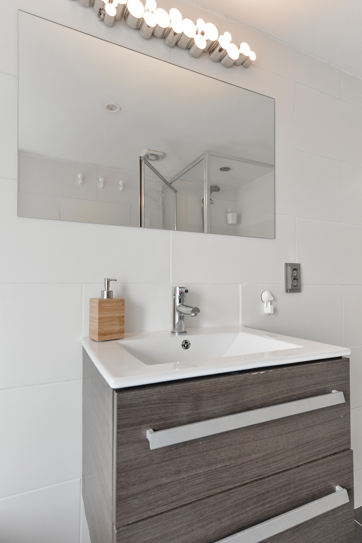 Strakke badkamer | Badkamer | Pinterest - Badkamer