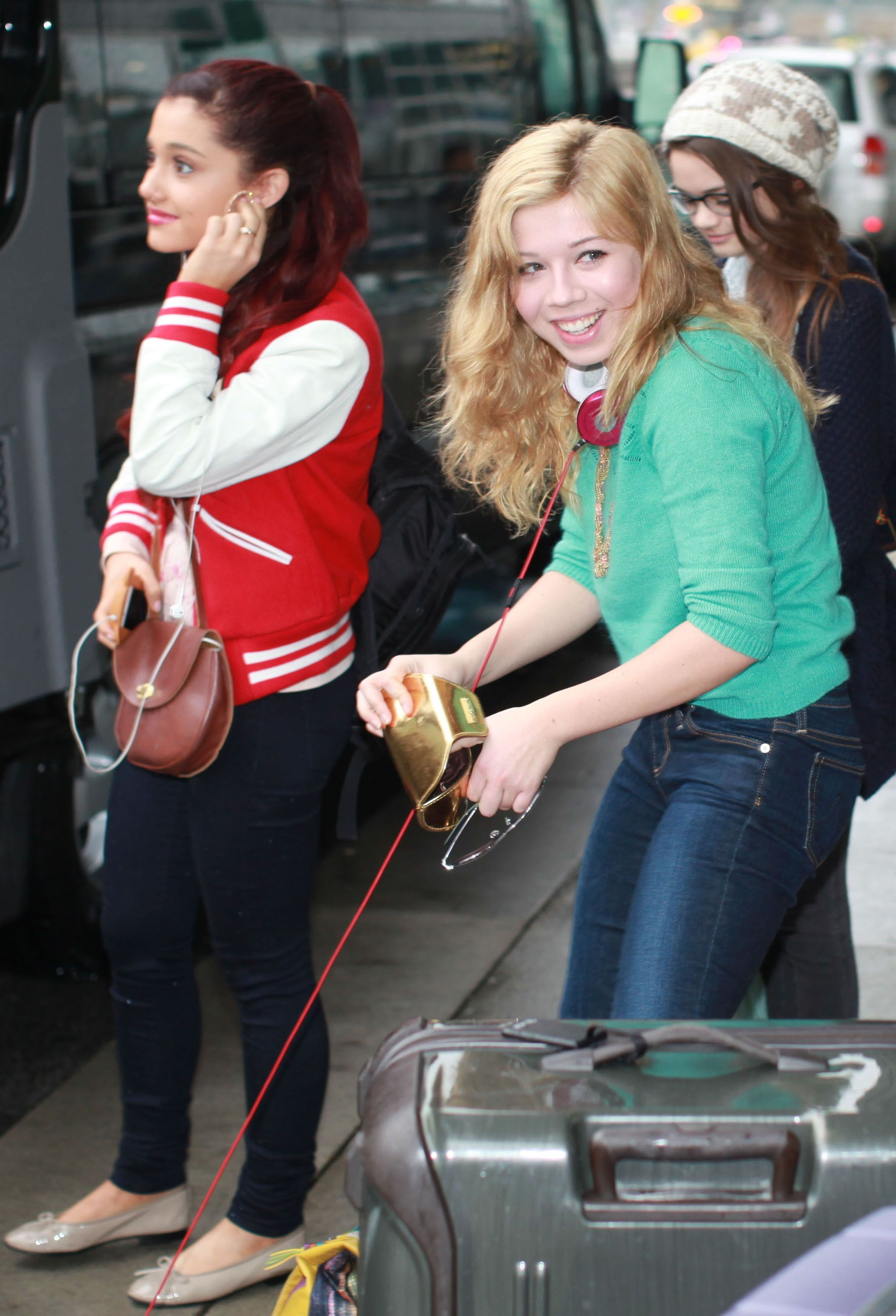 Pin On Sam And Cat Photos