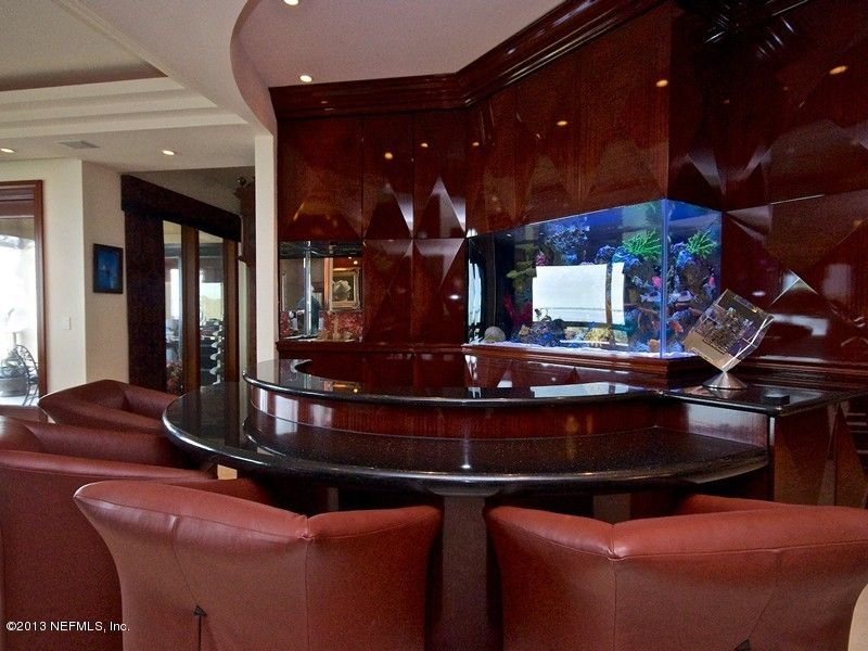 Check Out This Bar Aquarium 6730 North Epping Forest