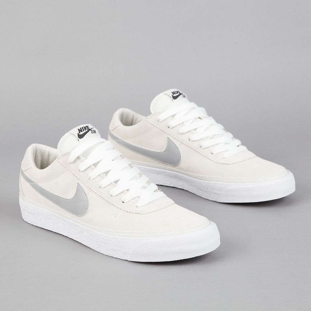buy popular 25483 865d6 Nike SB Bruin Swan - Matte Silver - White