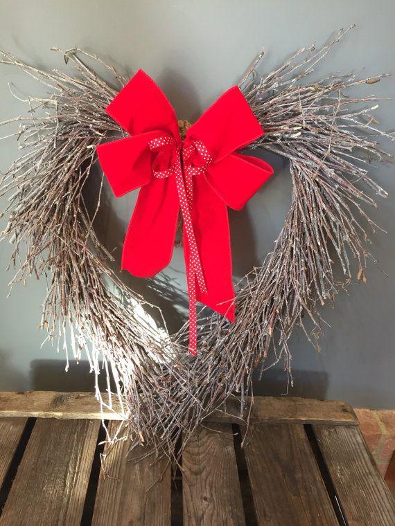 Corona del cuore, corona di San Valentino, corona porta, corona di cottage, corona rossa, corona naturale di betulla