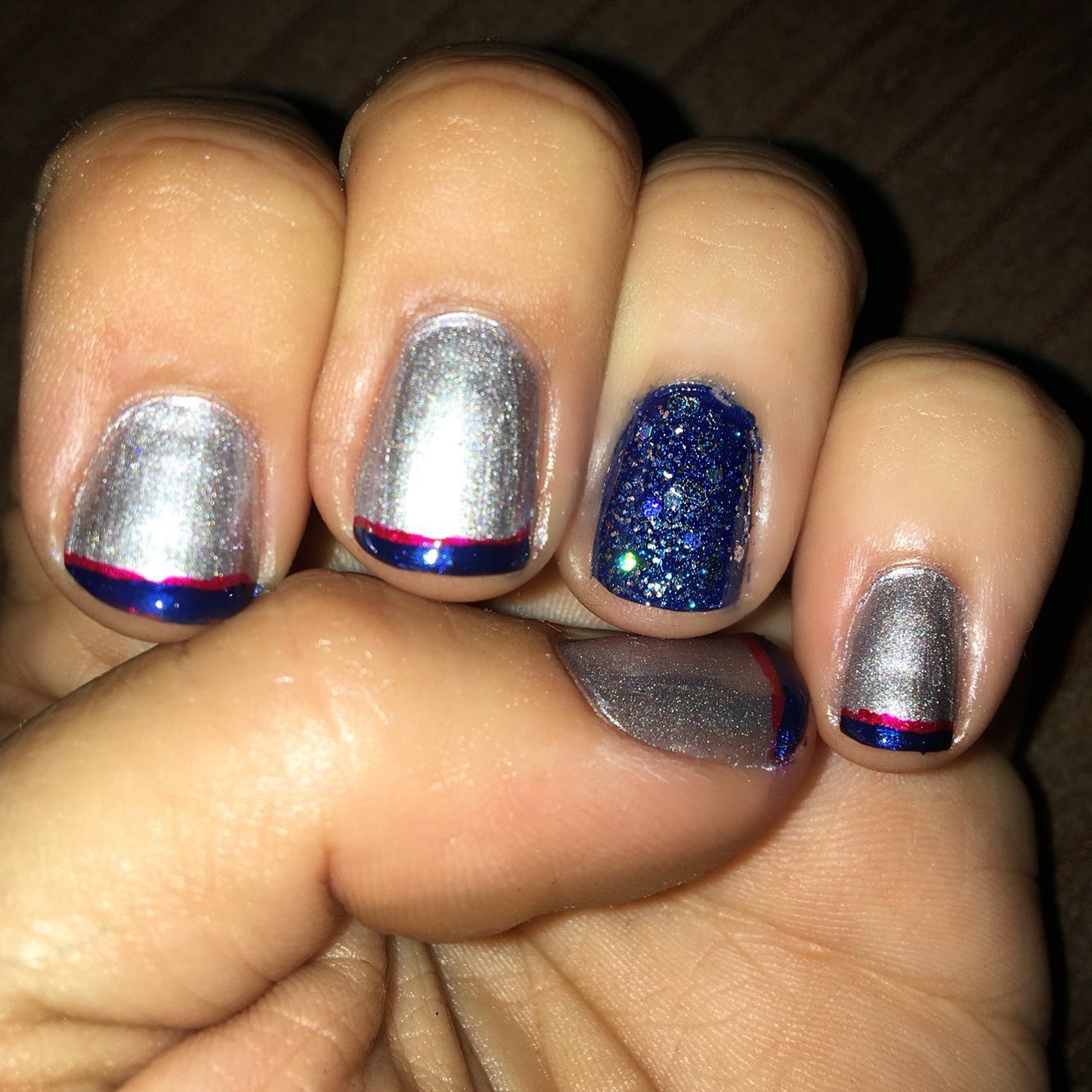 Diy Nails Manicure In New England Patriots Colors Diy Nails Manicure Patriotic Nails Diy Patriots Nail Art