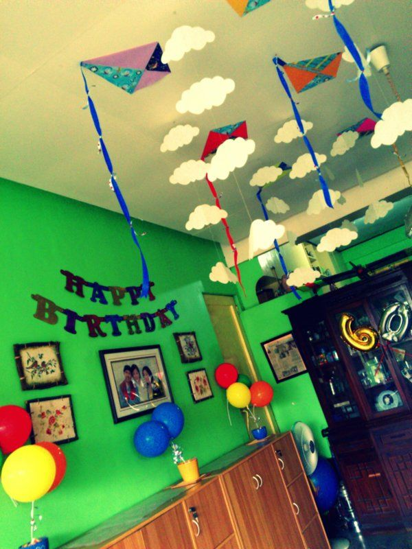 Clouds and kites hanging from the ceiling for a birthday for Decoration kite