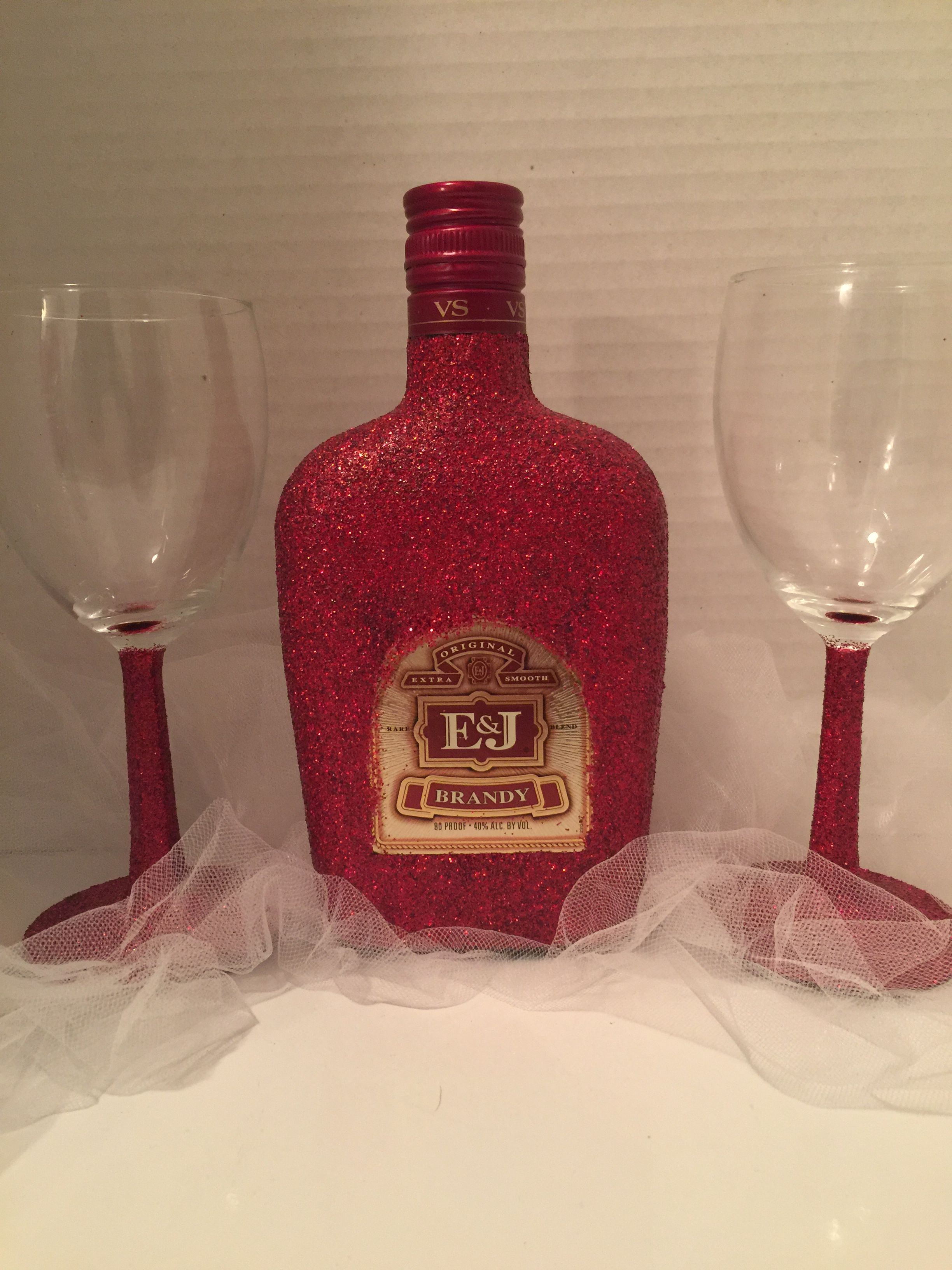 Red Glitter Wine Glasses That Are Drinkable And Washable With Glittered E J Brandy Great For Valentine S Day Liquor Bottle Crafts Bling Bottles Brandy Bottle
