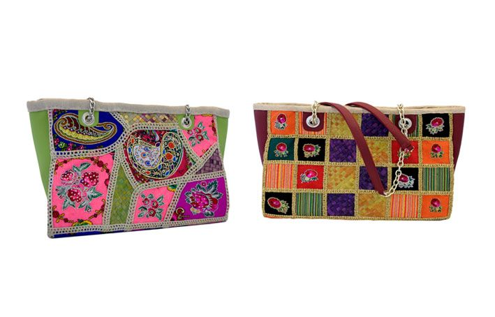 حقائب أنيقة كبيرة مصنوعة من الجلد و القماش الشالكي المطرز و السعف الذي تم معالجته في المركز من أعمال قسم الإبداع اليدوي Bags Coin Purse Purses