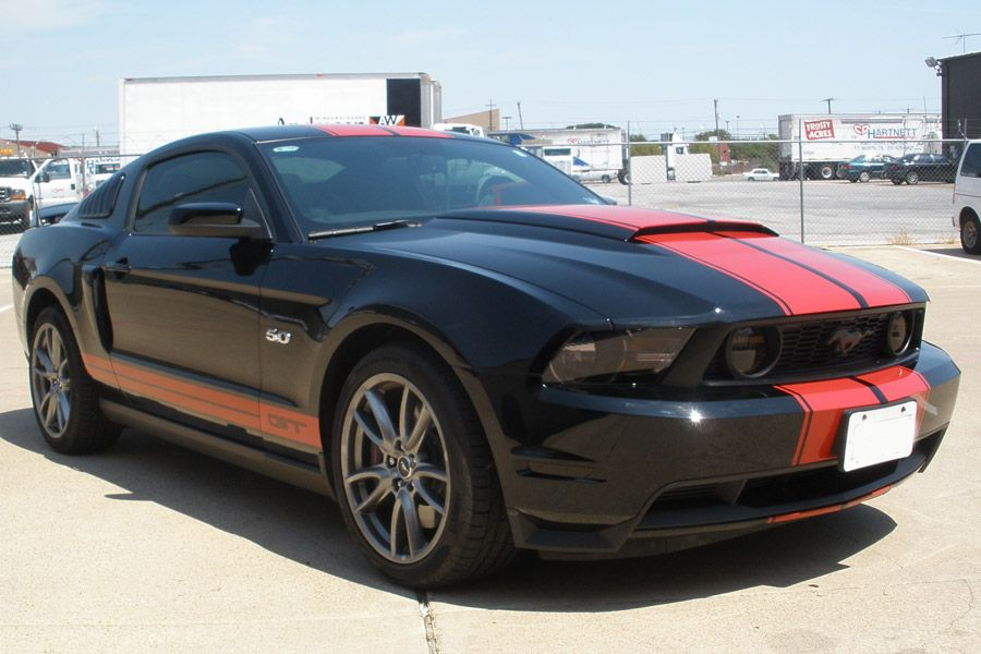 Http Www Bigwormgraphix Net Red Dual Stripes With Pinstripe On A Black 2012 Mustang Gt 2012 Mustang Gt Black Mustang 2012 Mustang