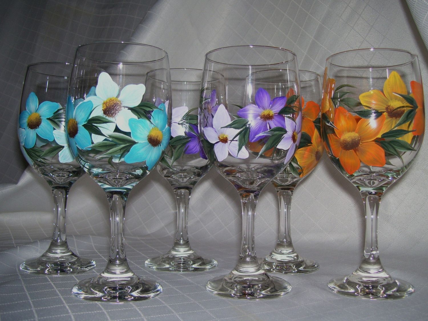 Tropical flowers wine glasses how to paint tropical and for Flowers in glass bottles