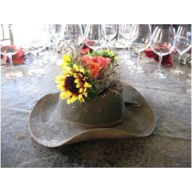 Cowboy hat as centerpieces bᎬᏒᎬᏁᎽᎥ ᎳᎬᎠᎠᎥᏁᎶ pinterest