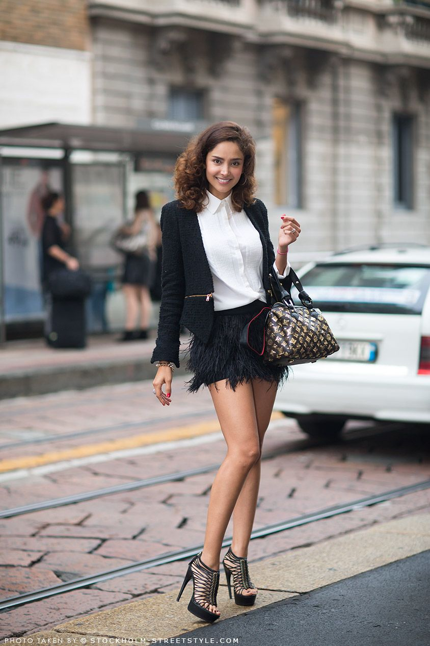 is mini skirt still in fashion You can get high waisted skirts and jean skirts in fashion style for free the mini skirt is in fashion but still one of best things i ever got.