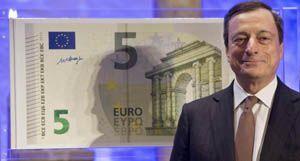 Los nuevos billetes de cinco euros comienzan a circular el jueves