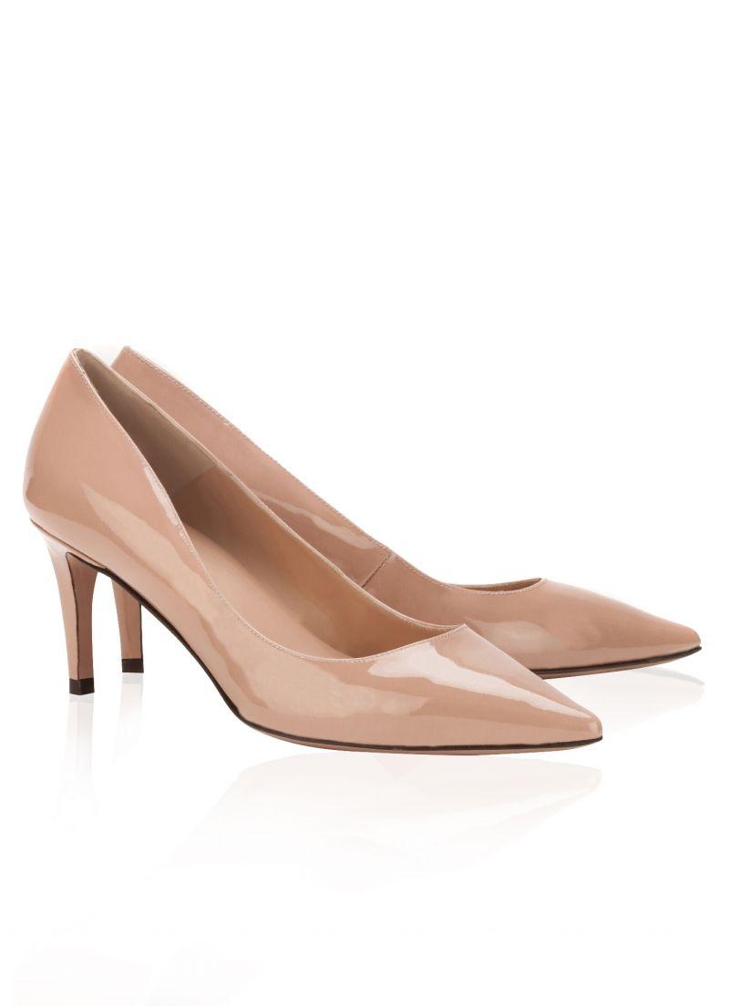 6a263109 Pura Lopez Elga- Zapatos de salón con punta fina y tacón medio. Realizados  en charol nude.