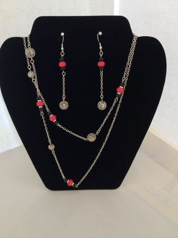 Red and Black Necklace by ThePinkRhino on Etsy, $15.00