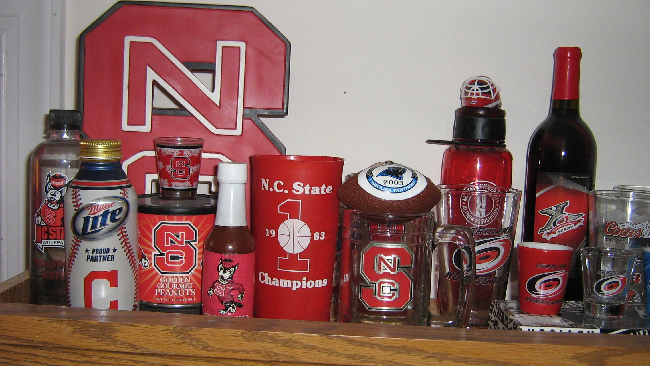 Wolfpack And Hurricanes Glasses Cleveland Indians Miller Lite Pint Can Wine Bottle From Hurricanes 10th Anniversary Dr Pepper Dr Pepper Can Canning
