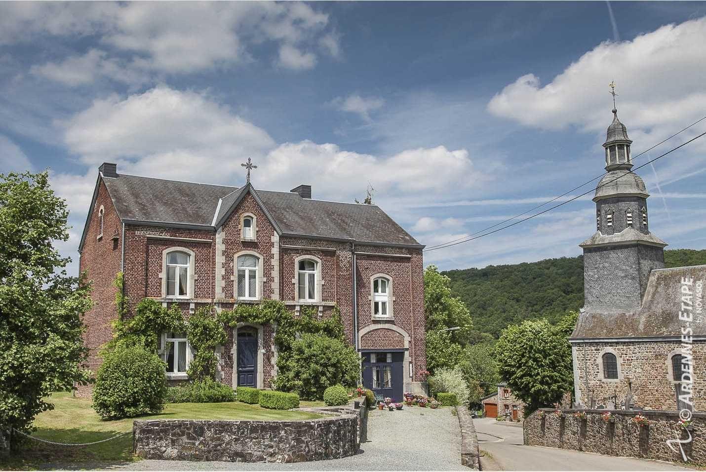 Karaktervolle woning voor 6/7 personen met schitterende leefruimtes en tuin in Saint-Hubert