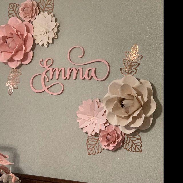 Décor de mur de fleurs de papier, fleurs de papier pour la salle de filles, pépinière florale, fleurs roses de papier blush avec des feuilles dor rose, pépinière dor rose