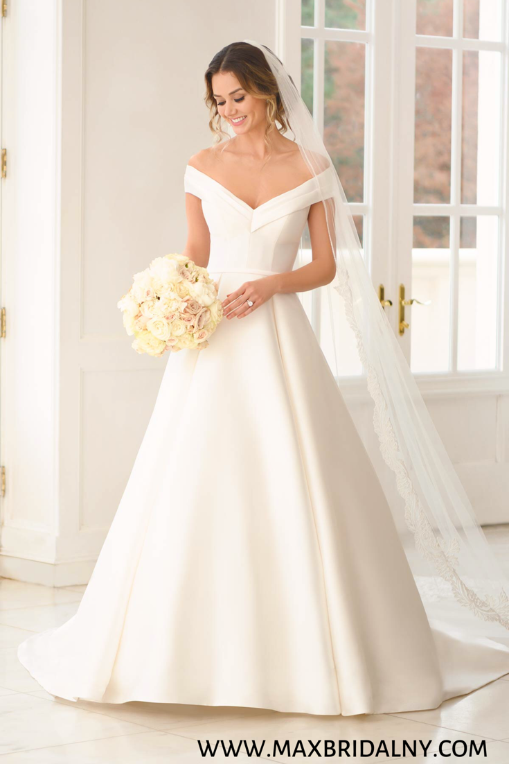 Simple Ballgown With Off The Shoulder Sleeves Stella York Wedding Dresses Top Wedding Dresses Wedding Dresses Simple Simple Wedding Gowns [ 1102 x 735 Pixel ]
