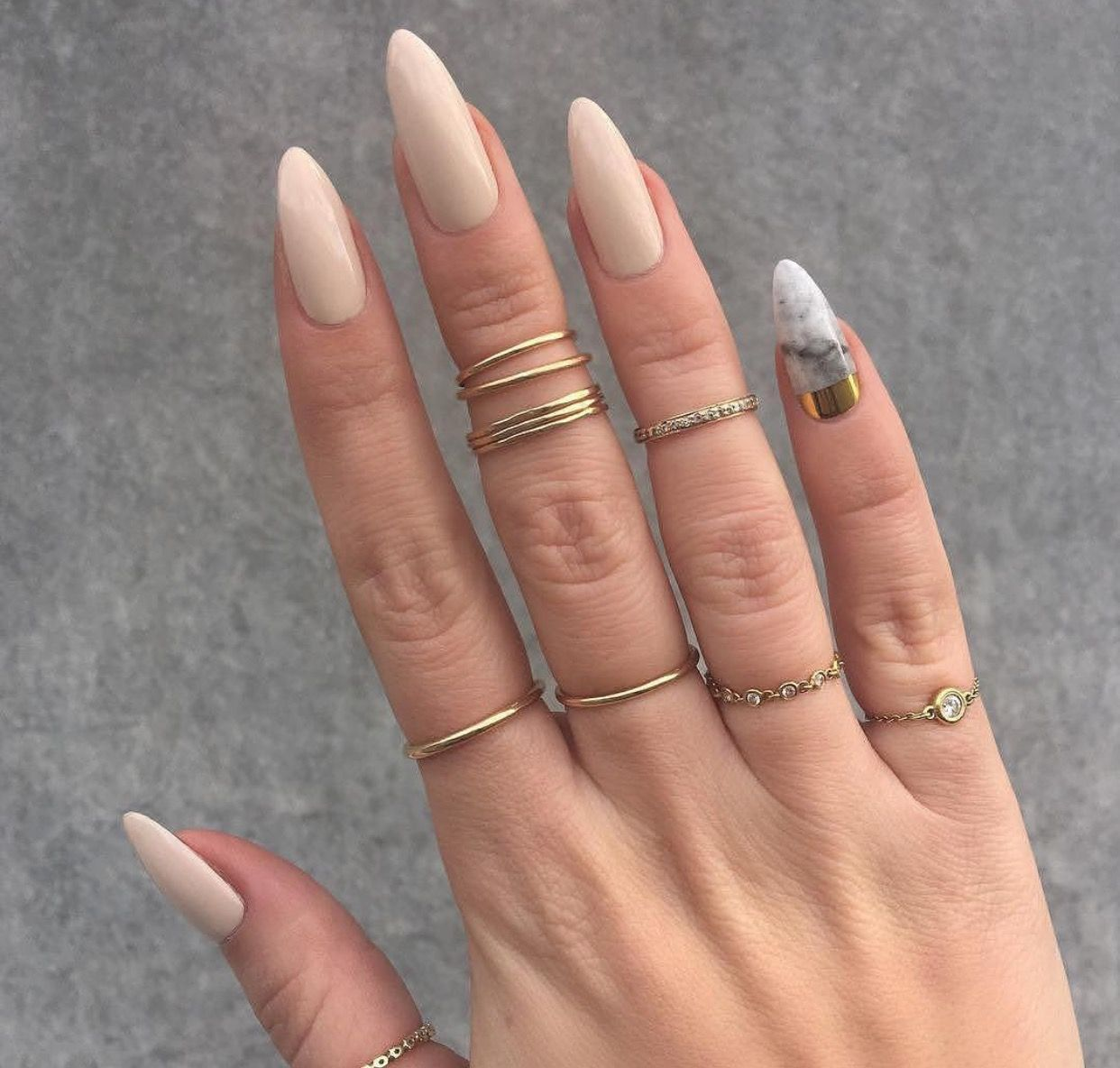 Nude and marble nails | Nail Inspo | Pinterest