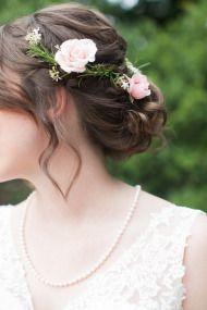 Book Lover Wedding Ideas - Style Me Pretty