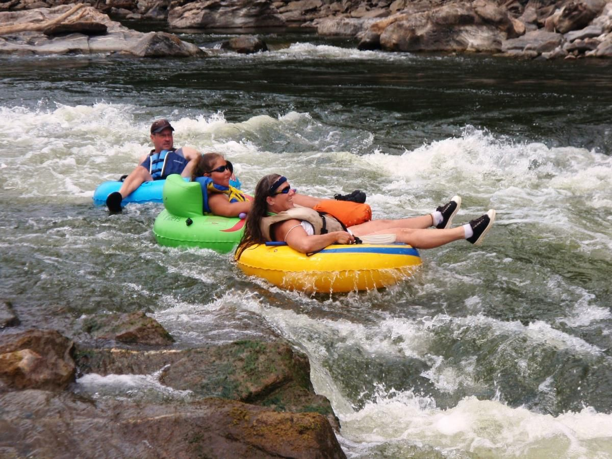 Tubing On The Potomac River In Harpers Ferry West Virginia Travel Harpers Ferry Potomac