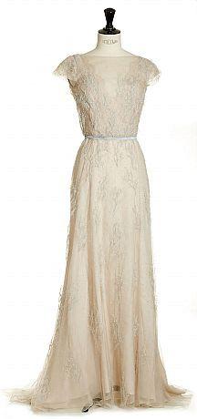 c268b477a5b2 Fadi el Khoury, skräddarsydd klänning med holkärm | Sewing ...