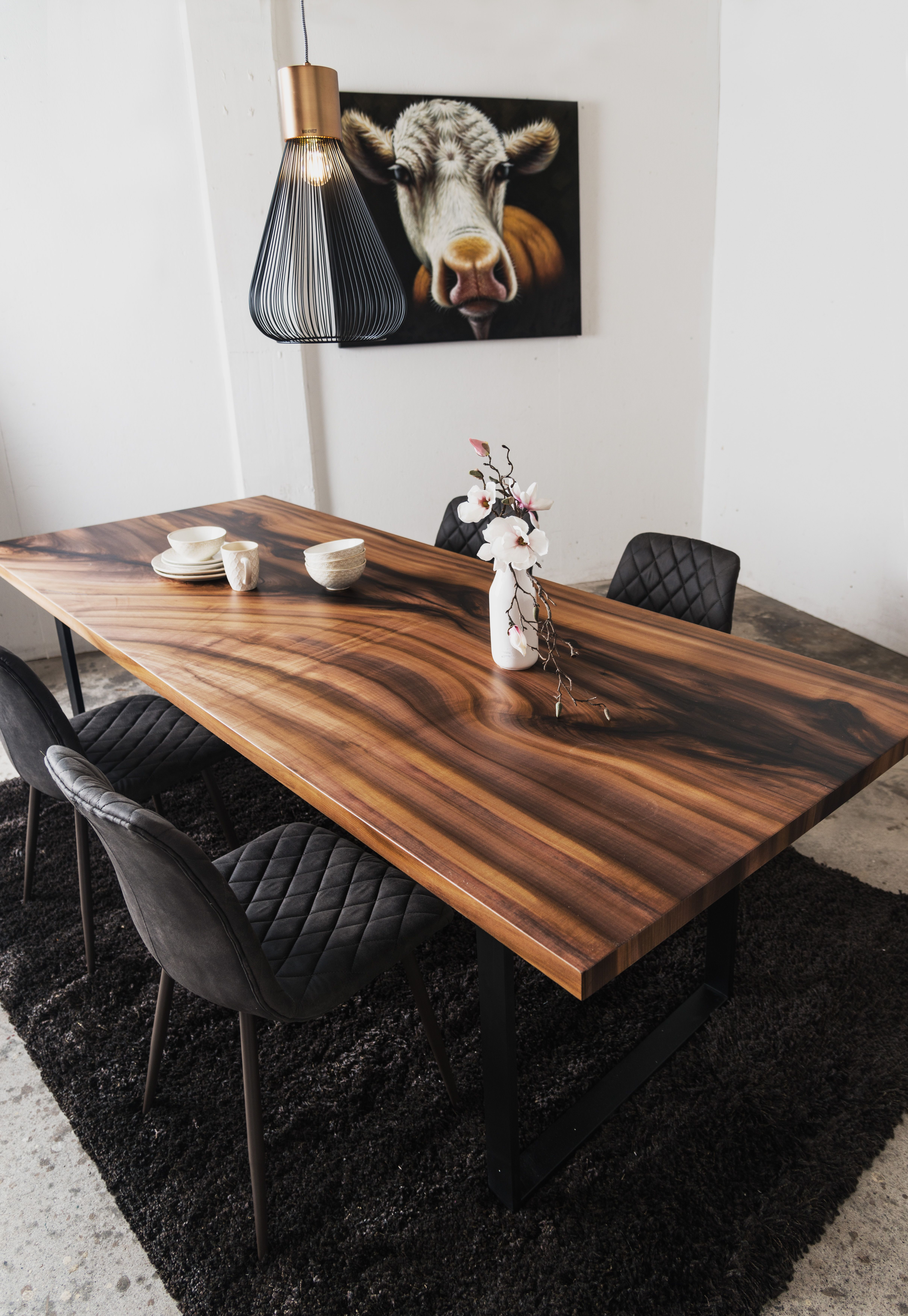 Photo of Design Table Tulip