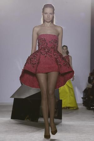 Giambattista Valli Haute Couture Spring Summer 2014 Paris - NOWFASHION