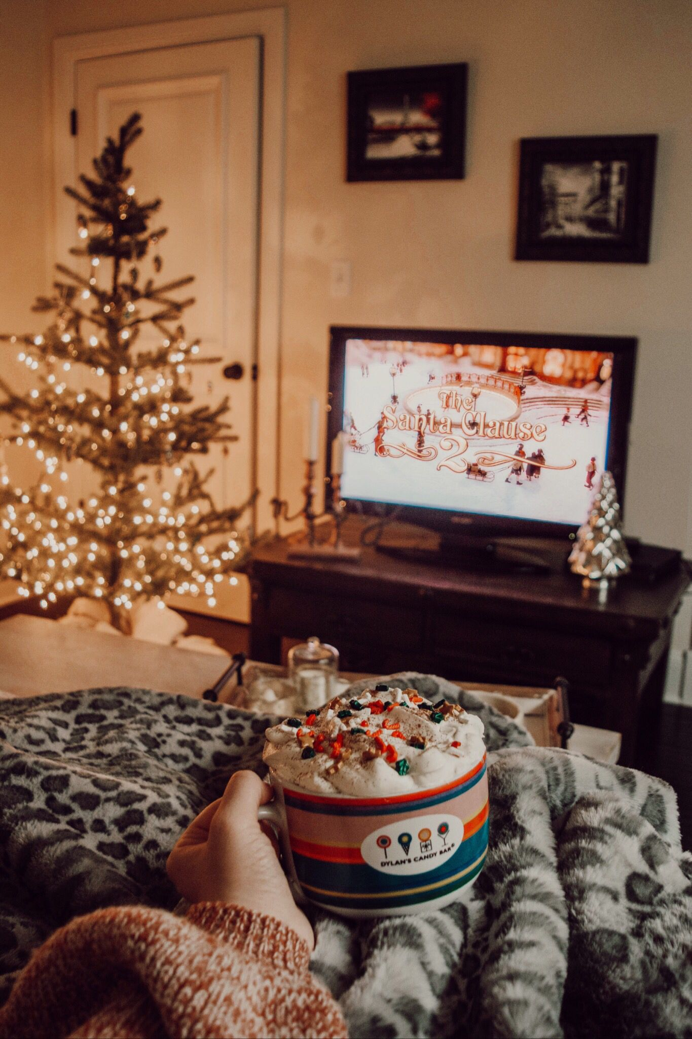 The Grinch And 9 Other Amazing Christmas Movies To Watch With Your Family This Holiday Season The Bes Christmas Aesthetic Cozy Christmas Best Christmas Movies