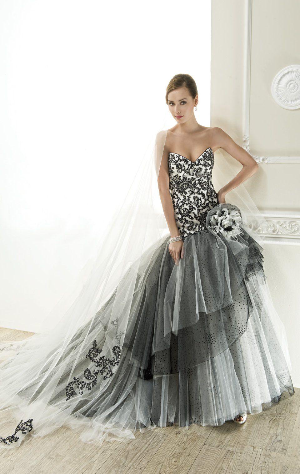 Hochzeitskleider müssen nicht immer weiß sein Klassischerweise tritt ...