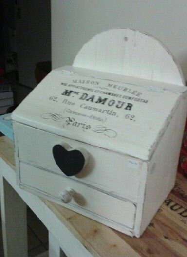 Prim box with storage and drawer..made from pallets ♡Makes a lovely breadbox..