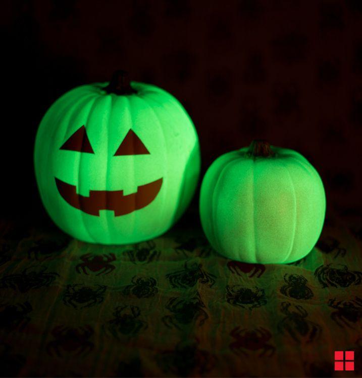 Pumpkins Painted With Glow In The Dark Paint Diy Halloween