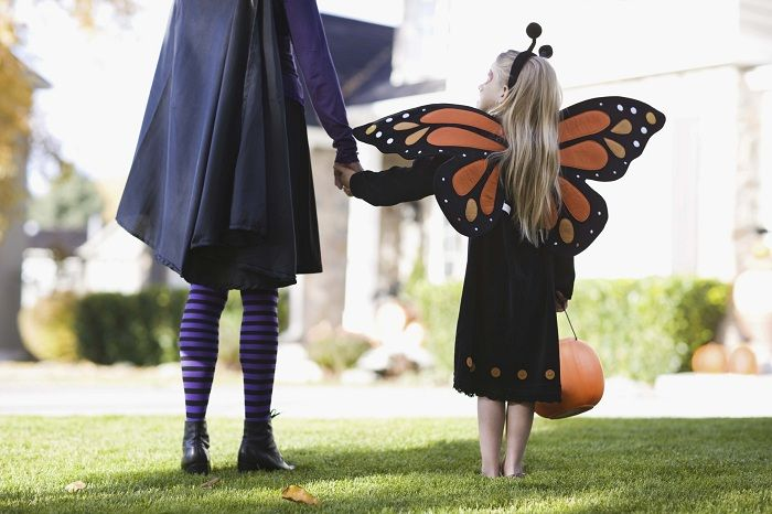Mother  daughter Halloween costume ideas eHow UK Mommy and me - mother daughter halloween costume ideas