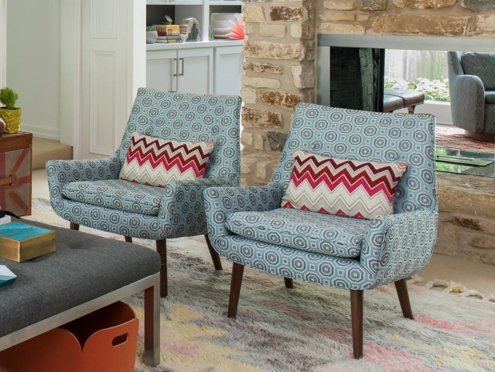 Bright And Bold Patterned Chairs Serve As Extra Seating In This Cozy  Midcentury Modern Living Room