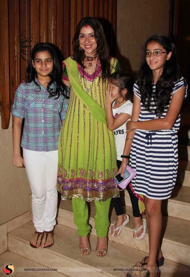 Shilpa & Raveena at David Dhawan's karva chauth ...