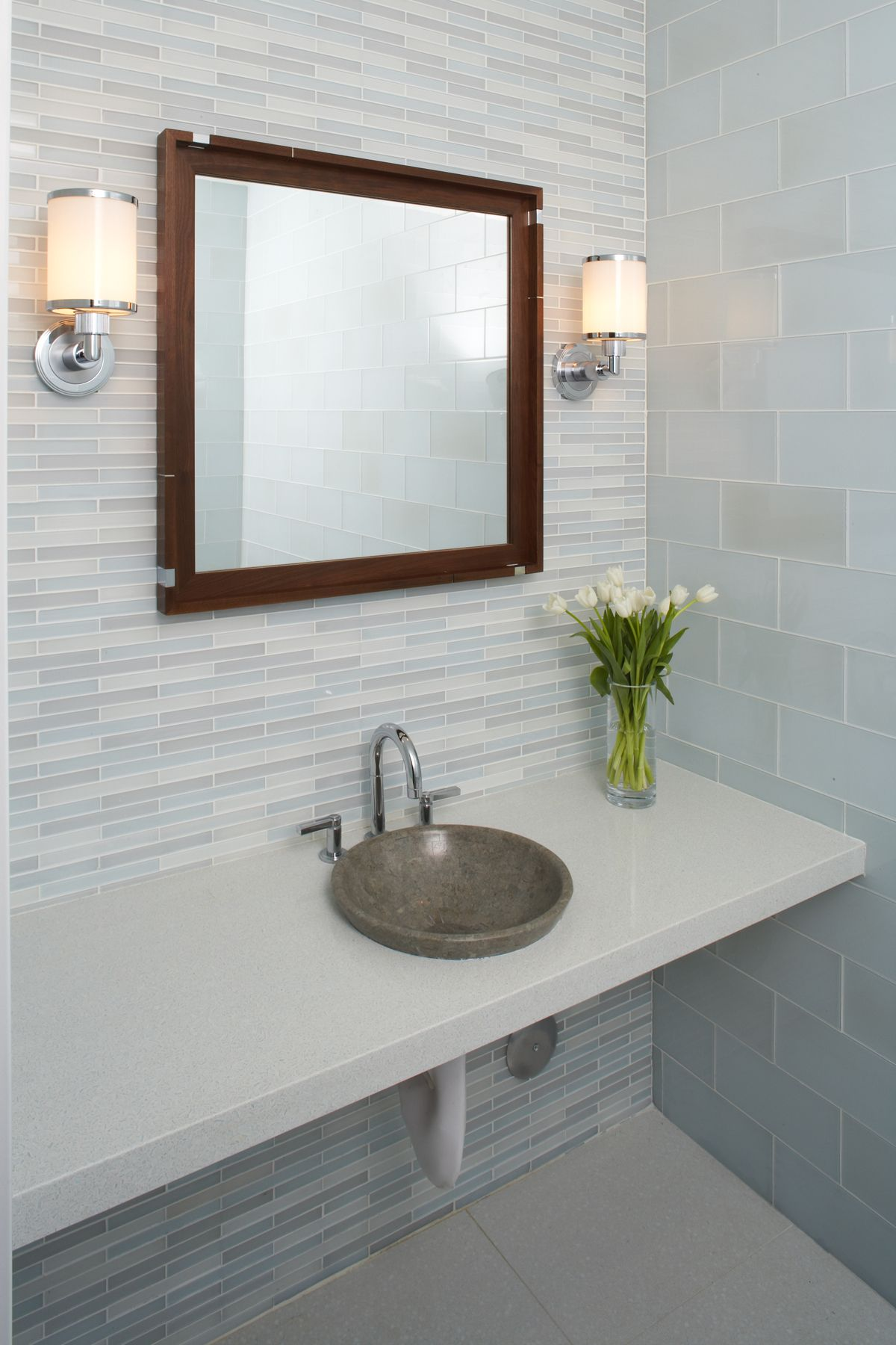 Ann Saks Metro Crisp glass tile; love the simplicity of this ...