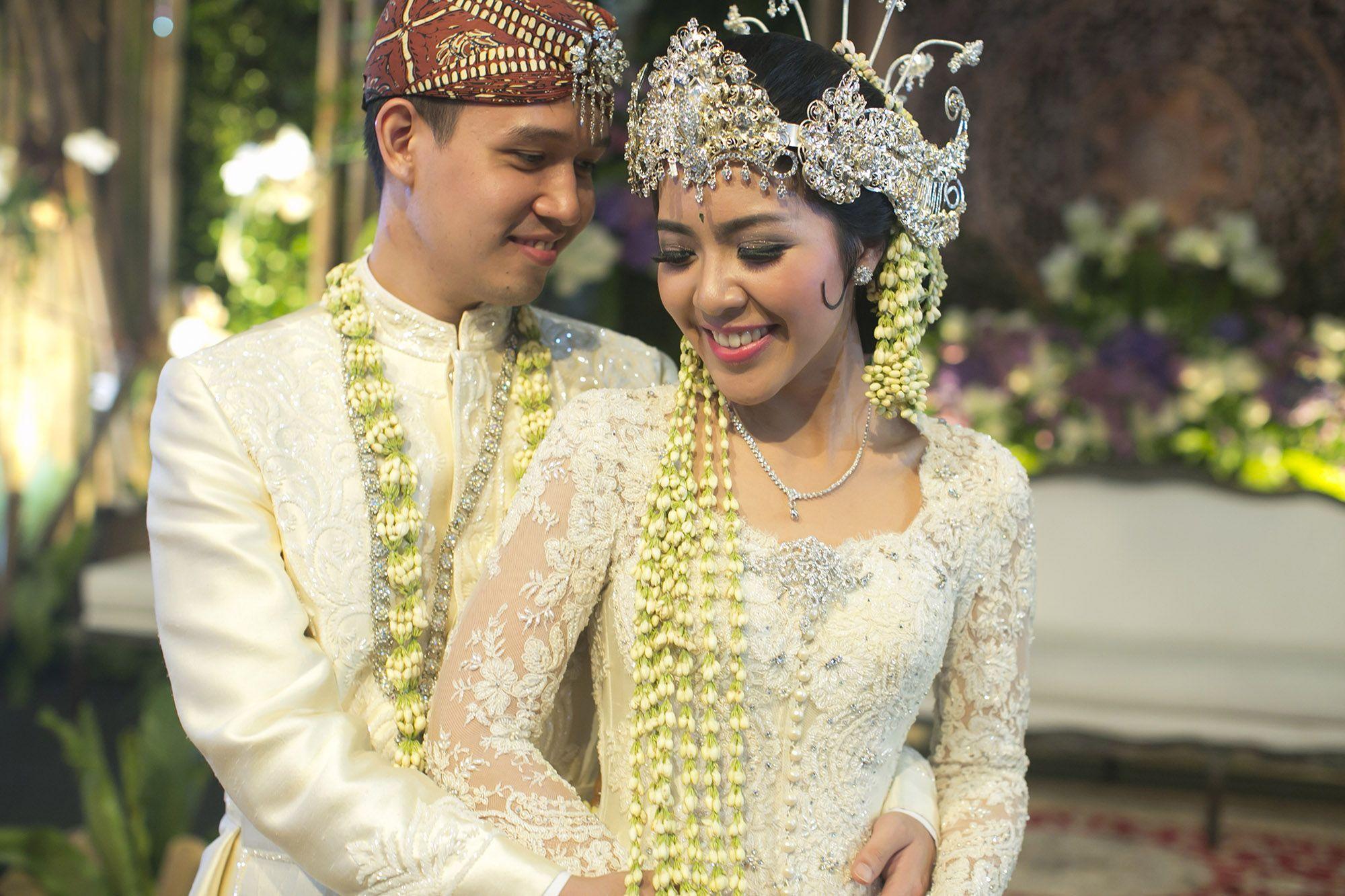 Classic White Sundanese Wedding  The Bride Dept  Pernikahan