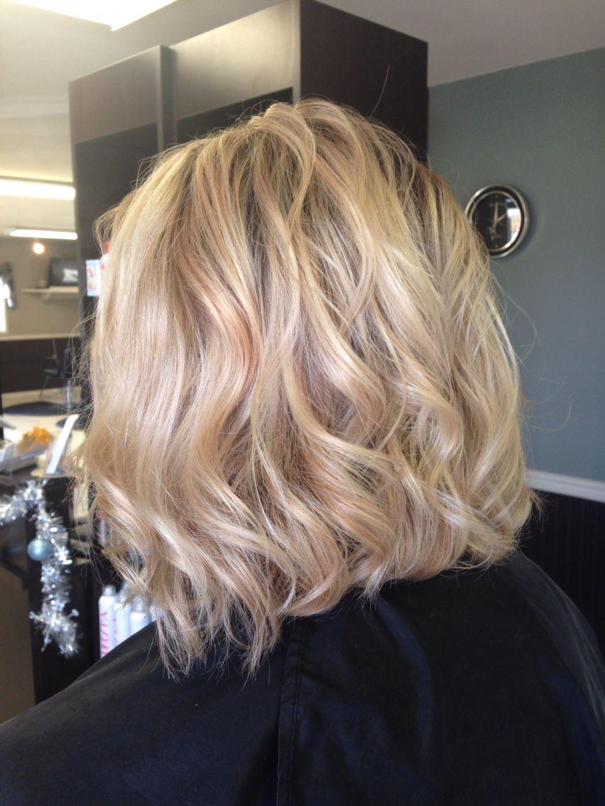 Haar blond kurzes Hausgemachtes Kurzes Blondes