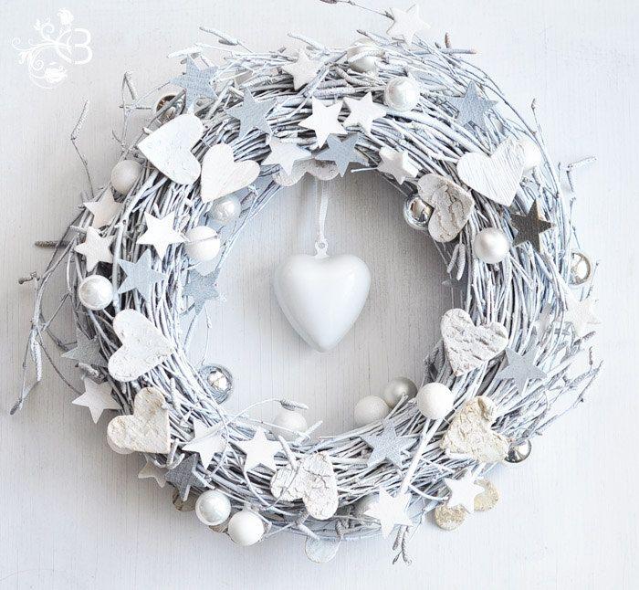 White Christmas Wreath Winter Decor 27 00 Via Etsy