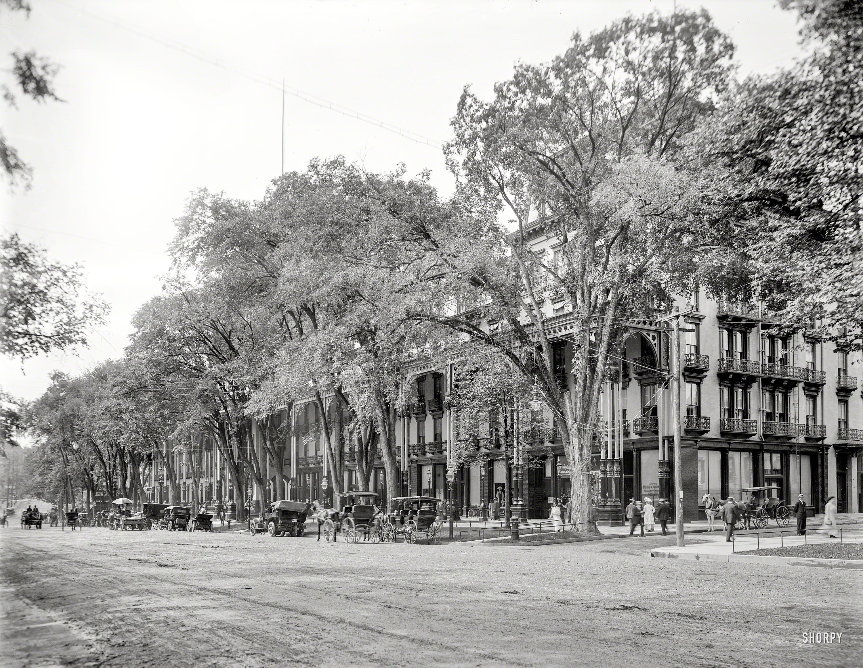 C 1908 Broadway And Grand Union Hotel Saratoga Springs N Y Detroit Publishing Co Shorpy Historic Picture Archive
