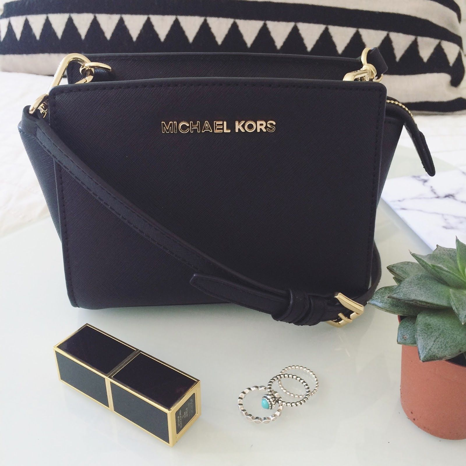 Michael Kors Mini Selma | Handbags michael kors, Purses