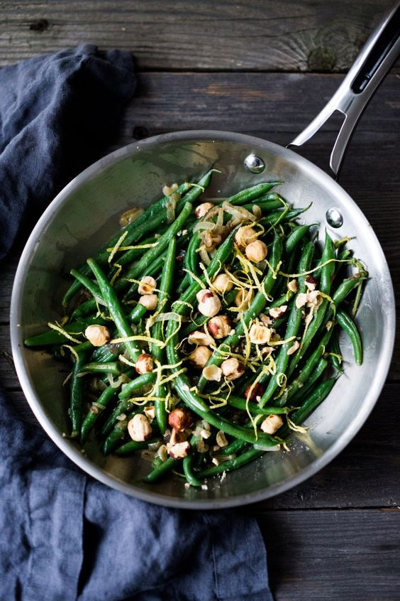 Hazelnut Green Beans with Lemon Zest and Truffle Oil - and easy, vegan, gluten free side dish that can be made in 15 minutes flat! | www.feastingathome.com