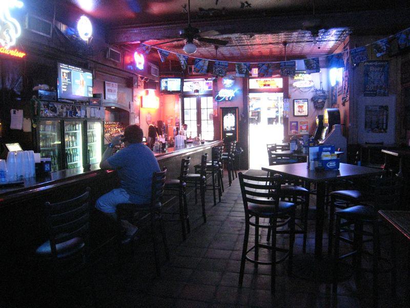 New Orleans Alibi Bar Dive Bar Dive Bar Diving Orleans