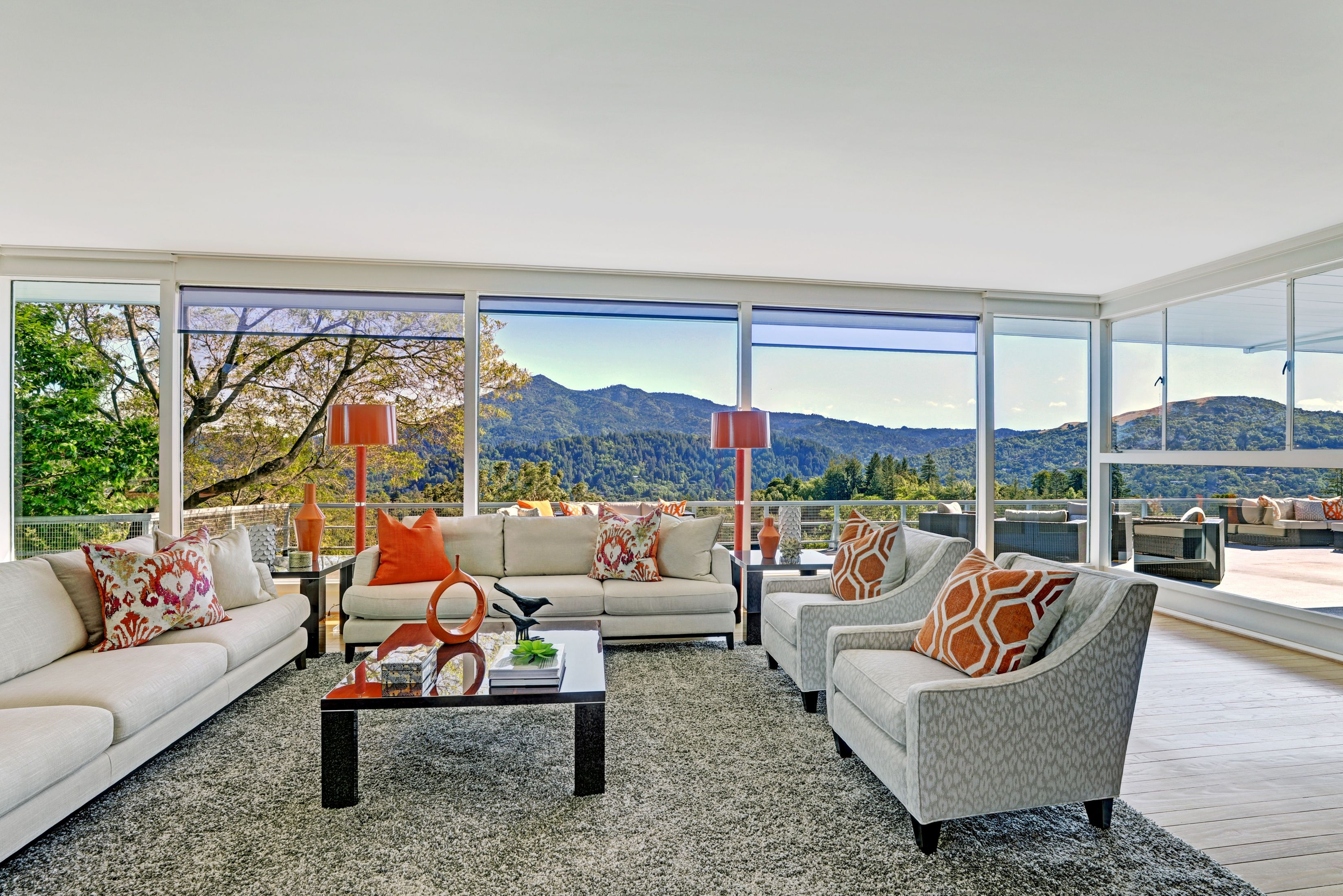 One of Ross' true legacy estates! This midcentury masterpiece designed for the Pomeroy family of Pomeroy Road! Perfectly site placed, the glass and wood home offers unobstructed indoor/outdoor living. The perfect place in which to end the week! Offered at 4,995,000 http://pacunion.us/10pomeroy