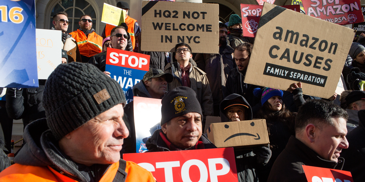 Protesters Are Gathering Outside Of Jeff Bezos 80 Million Nyc Penthouse To Call Attention To Working Conditions At Amazon S Warehouses Via R Technology Work Conditions Nyc How To Plan