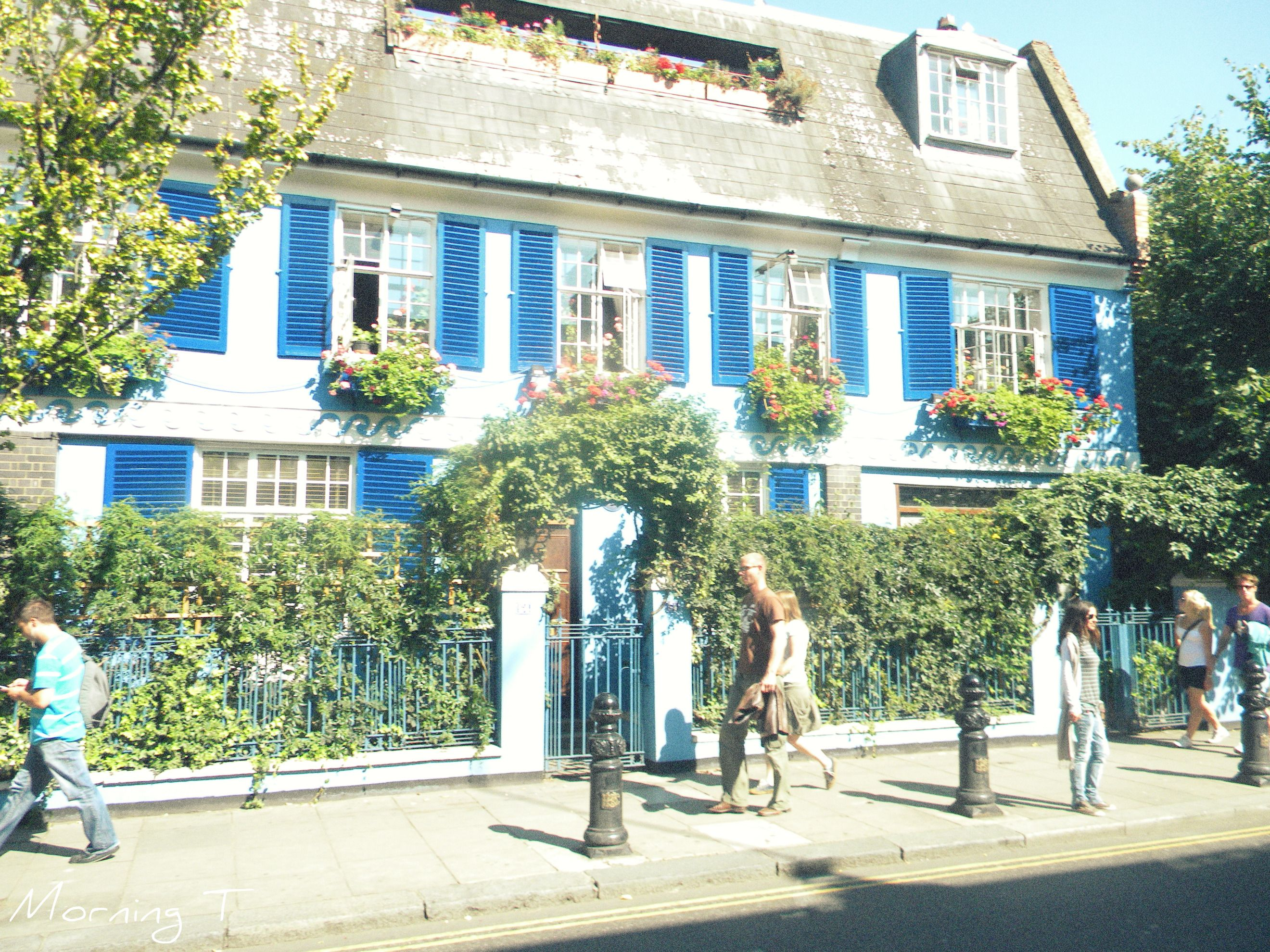 Notting Hill cottage. London, England 2010