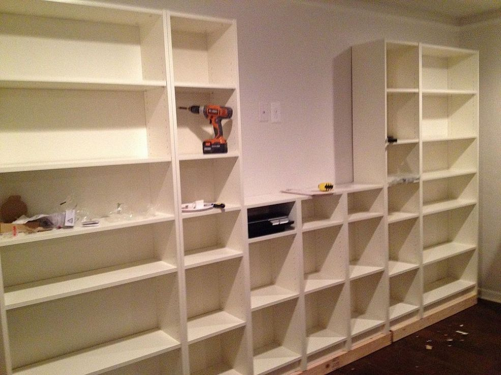 Ikea billy bookcase hack mueble escritorio y escritorios for Muebles billy ikea